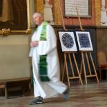 J.E. Prezidentės sveikinimo paveikslai šv. Jonų bažnyčioje.