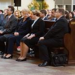Pirmoje eilėje iš kairės: VU l.e. rektoriaus pareigas prof. habil. dr. Jūras Banys, J.E. Prezidentė Dalia Grybauskaitė, Vadovų klubo vadovė Marija Gurskienė, Lietuvos banko valdybos pirmininkas Vitas Vasiliauskas.