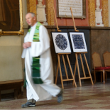 The artworks of the President's congratulations in the St. Johns church.